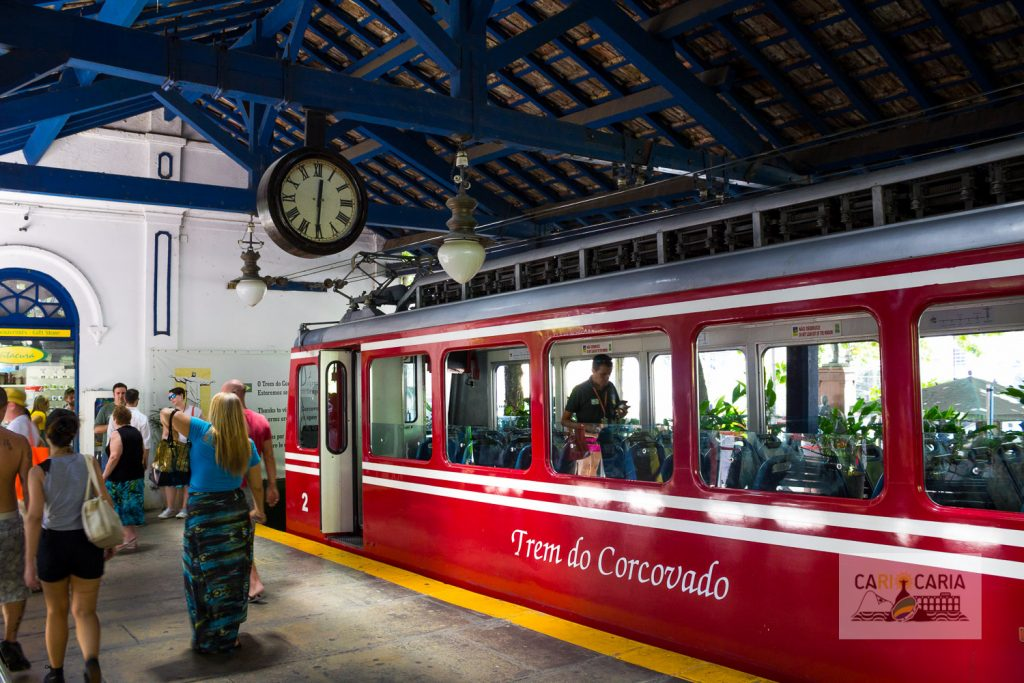 O belíssimo e tradicional Trem do Corcovado