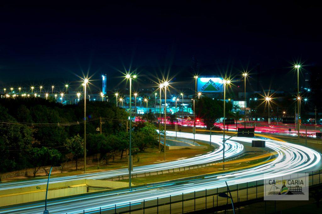 Avenidas da Barra à noite, vista da Cidade das Artes