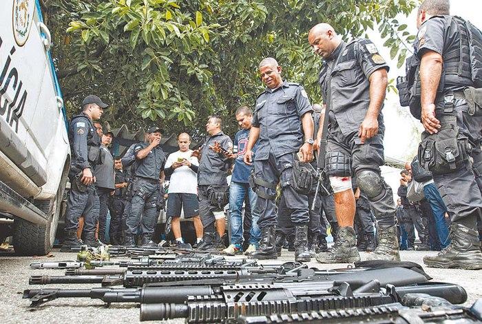 Guerra no Rio de Janeiro. Márcio Mercante / Agência O Dia
